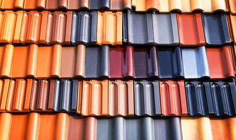 Installation de couverture de maison avec des tuiles à Bonson